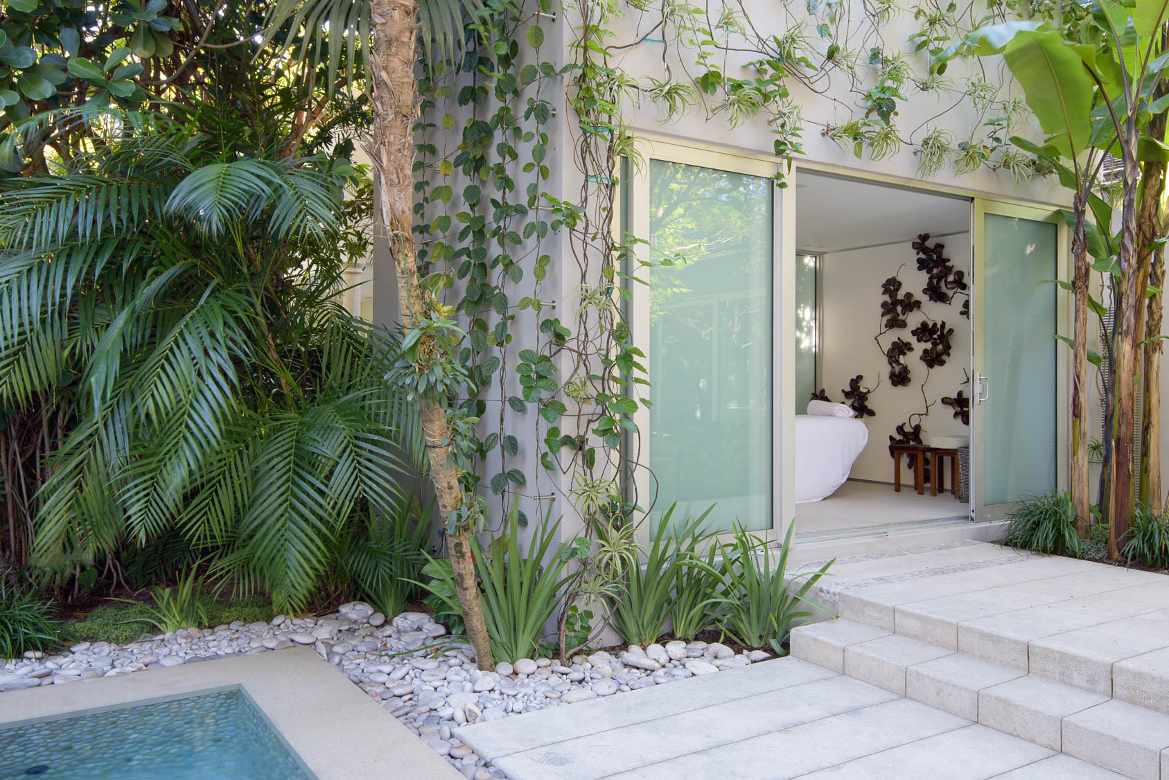 Miami-Beach-Residential-Garden-10
