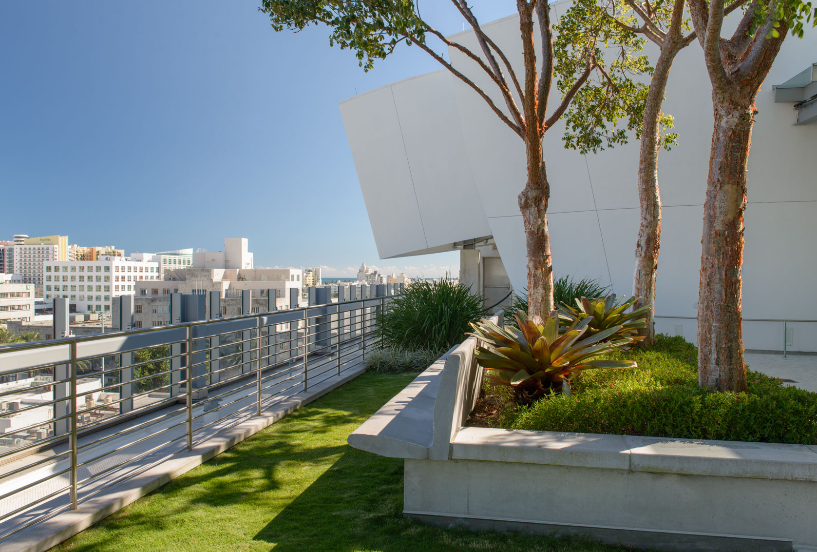 New-World-Symphony-Rooftop-Garden-10